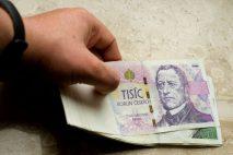 Nabídka půjčky skoro zdarma je určena pro nové klienty. Můžete si půjčit od 3000 Kč do 30 000 Kč. Půjčku splácíte 11 měsíců.