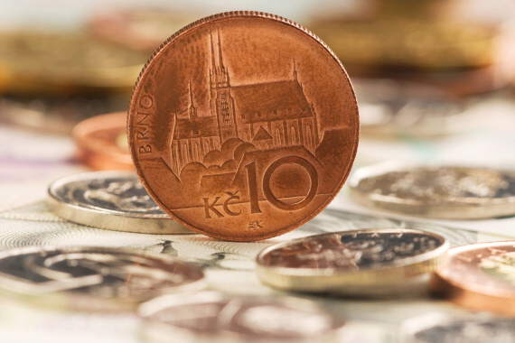 Hotovostní půjčka do 70 000 Kč je určena pro zaměstnance nebo i pro podnikatele. Možnost získat peníze na ruku i pro důchodce nebo pro ženy na mateřské či rodičovské.