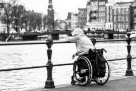 Od začátku roku 2020 (od 1. 1. 2021), se zvyšují všechny typy důchodů. A to jak ty invalidní, tak i starobní, vdovské, vdovecké nebo sirotčí. V následující kalkulačce si můžete spočítat, kolik bude invalidní (nebo jiný) důchod v roce 2020. Dozvíte se také, kdo má nárok na invalidní důchod a jaké musí být splněny podmínky.